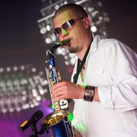 Saxophonist_hochzeit-russisch-deutsch-bayern-party-musikband